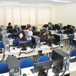 06-Laboratorio-de-Informatica